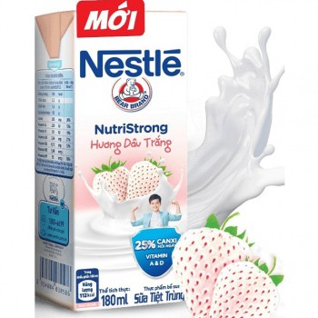 Sữa nước Nestle NutriStrong Hương Dâu Trắng, hộp 180ml