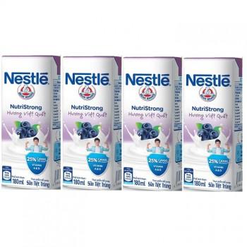 Sữa nước Nestle Nutri Strong việt quất, 180ml