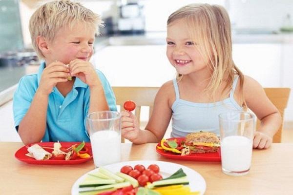 thùng sữa bột Koko Crown Picky Eater số 1 cho trẻ biếng ăn từ 1-2 tuổi