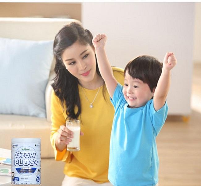 Sữa pha sẵn Nuti Grow Plus + trắng cho trẻ thừa cân hộp 110ml