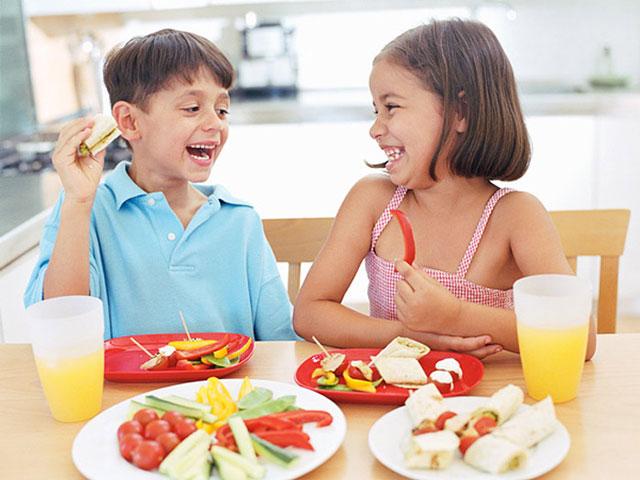 thùng sữa Koko Crown Picky Eater 2 cho trẻ biếng ăn trên 2 tuổi
