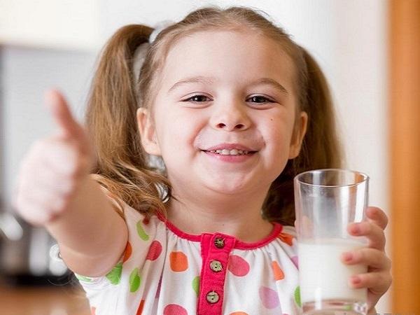 sữa bột pha sẵn Friso Gold hộp 110ml