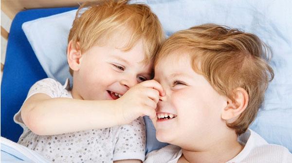 thùng sữa optimum gold hmo số 3 lon 900g cho trẻ 1-2 tuổi