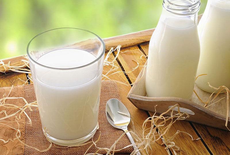 Sữa tươi không đường Cô Gái Hà Lan, hộp 180ml