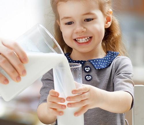 Sữa tươi nguyên kem Australia's Own Milk hộp 1 lit nhập khẩu Úc