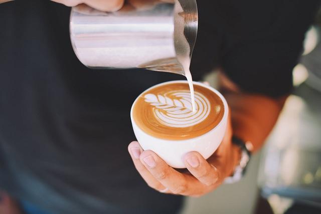 Sữa tươi nguyên kem Lemnos Úc hộp 1L