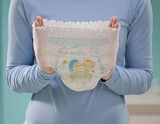tã quần pampers size M 40 miếng, trẻ từ 7-12kg