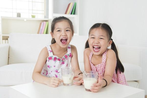 Sữa Dinh Dưỡng VPMilk Grow+ vị dâu, hộp 180ml